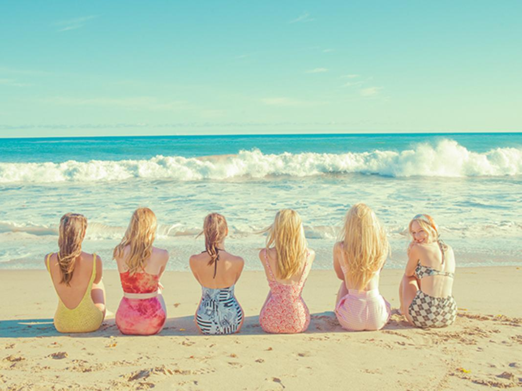 Girls on the beach, Photography, Story teller, Hollywood, sea