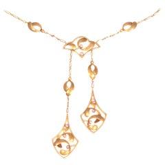 Typical Strong Design Art Nouveau Gold Necklace with Mistletoe Motive, 1900s