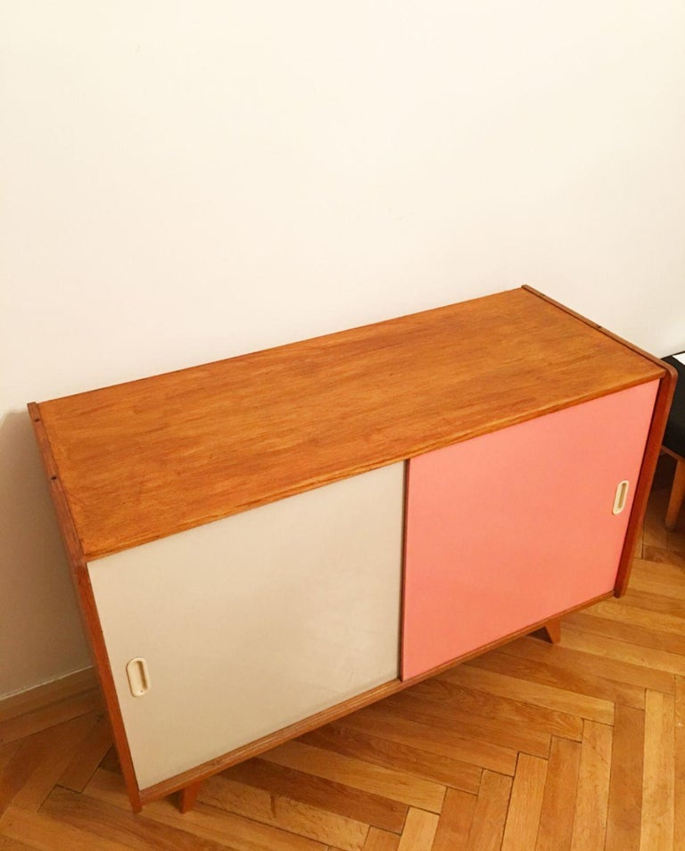 U-452 Cabinet by Jiri Jiroutek for Interier Praha, 1960s In Good Condition For Sale In Prague, CZ