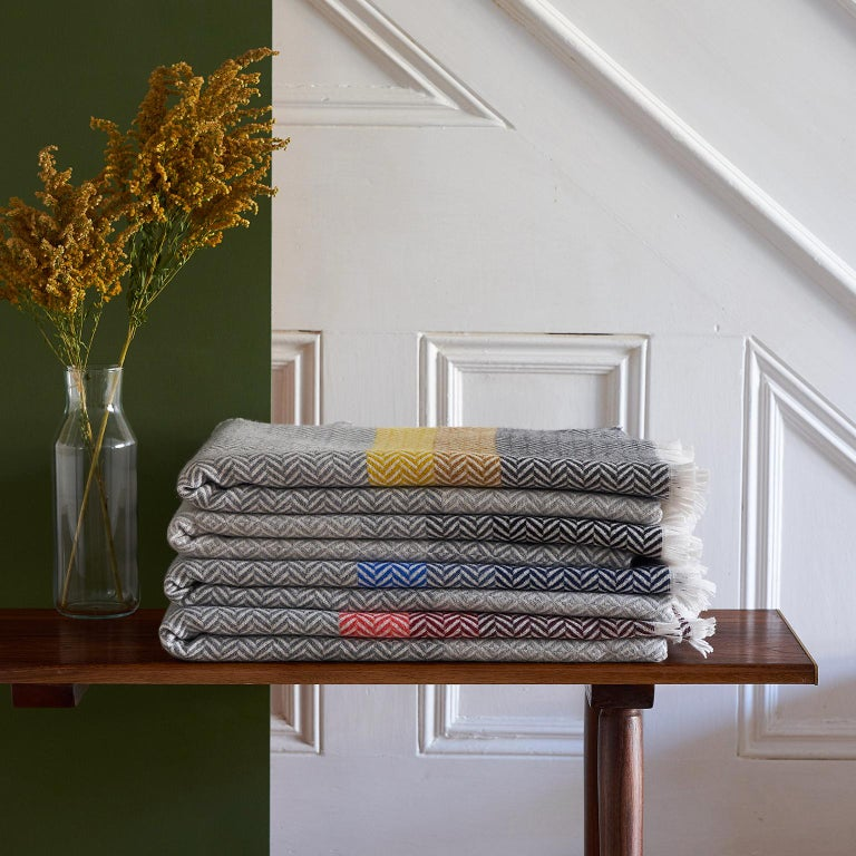 'Uccle' Woven Block Geometric Merino Wool Throw, Pearl Grey In New Condition For Sale In Chelmsford, GB