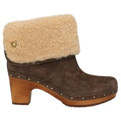 Ugg Australia Woman Ankle boots Brown Leather US 7