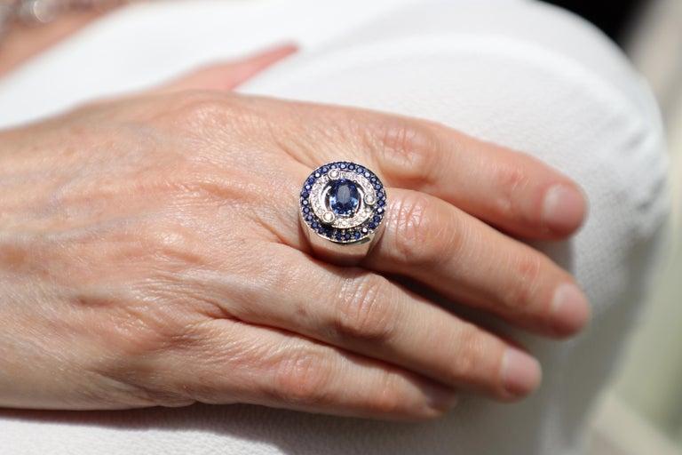 18 Karat White Gold 3.20 Karat Sapphires 0.30 Karat White Diamonds Ring For Sale 3