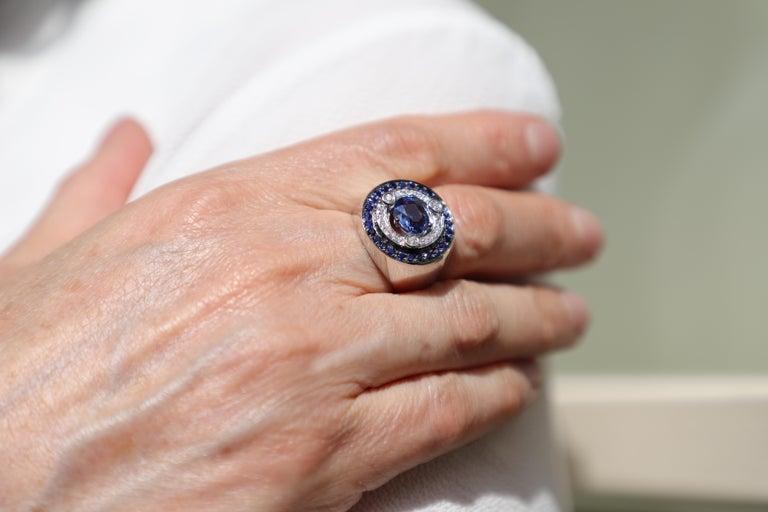 18 Karat White Gold 3.20 Karat Sapphires 0.30 Karat White Diamonds Ring For Sale 2