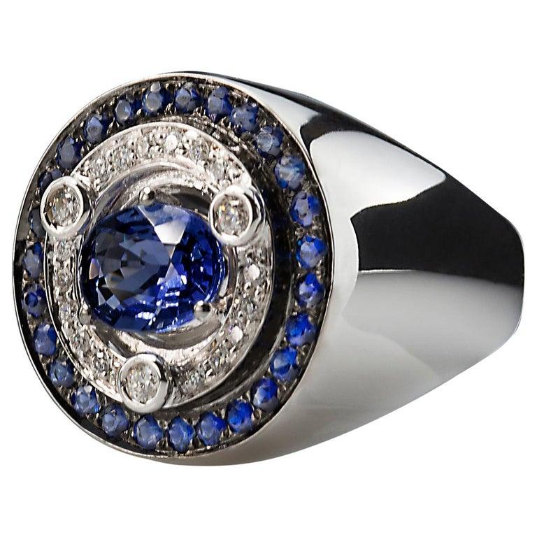 Art Deco 18 Karat White Gold 3.20 Karat Sapphires 0.30 Karat White Diamonds Ring For Sale