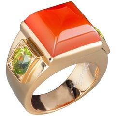 Art Deco Style 18 Karat Yellow Gold Orange Carnelian Peridot Design Ring