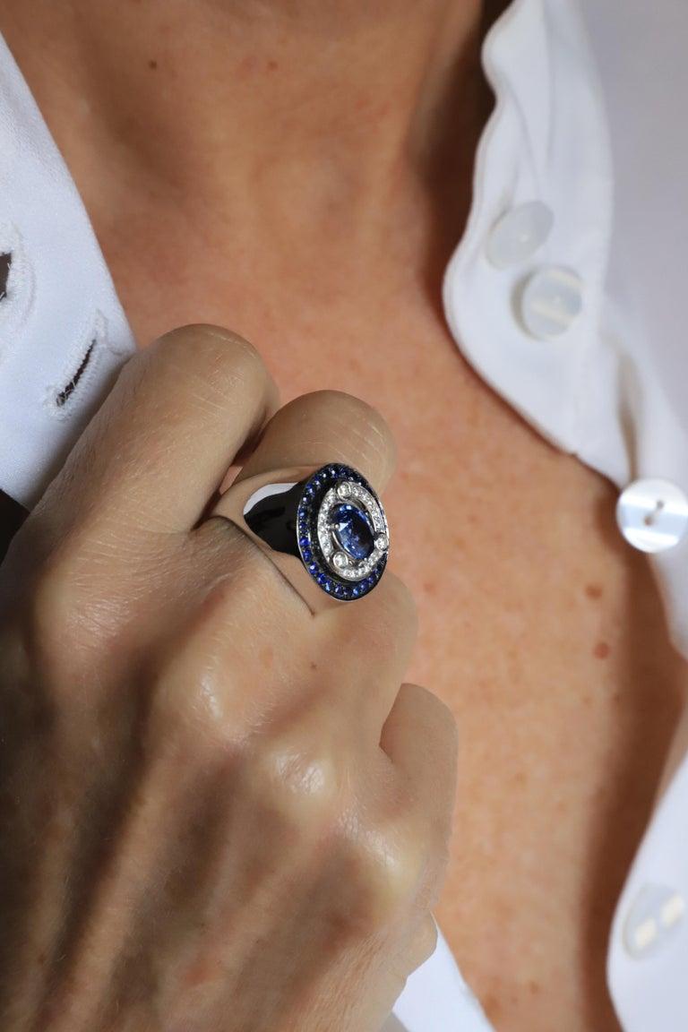 Brilliant Cut 18 Karat White Gold 3.20 Karat Sapphires 0.30 Karat White Diamonds Ring For Sale
