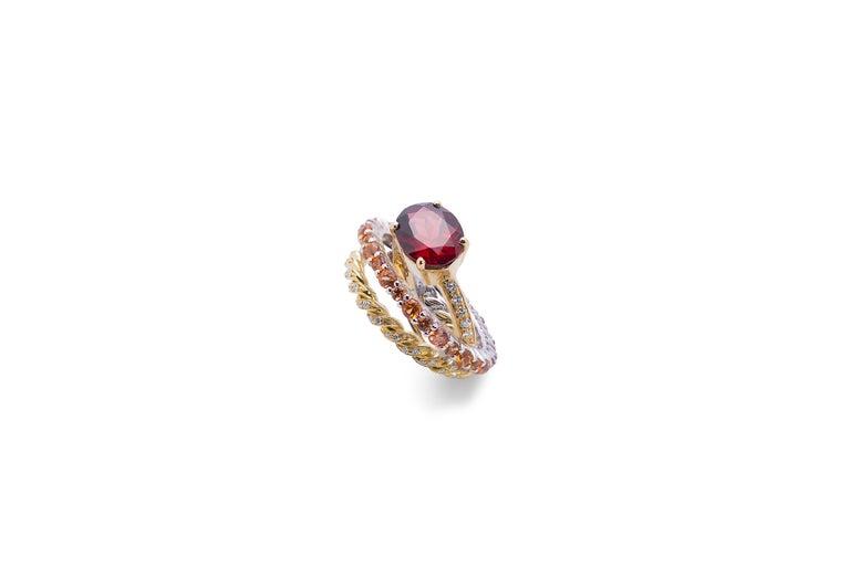 Artisan Ugolini 18Karat Gold 0.23 Karat Diamonds 3 Karat Tangerine Sapphires Garnet Ring For Sale