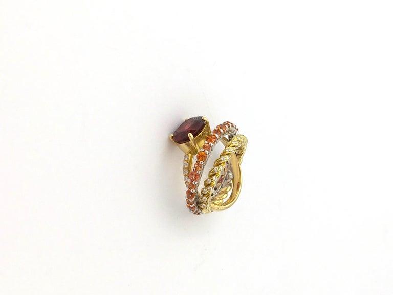 Round Cut Ugolini 18Karat Gold 0.23 Karat Diamonds 3 Karat Tangerine Sapphires Garnet Ring For Sale