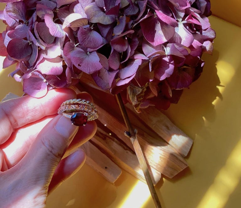 Women's Ugolini 18Karat Gold 0.23 Karat Diamonds 3 Karat Tangerine Sapphires Garnet Ring For Sale
