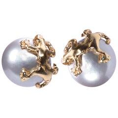 Ugolini Stud Gold-Plated Silver Sterling Big Grey Pearl Gecko Earrings