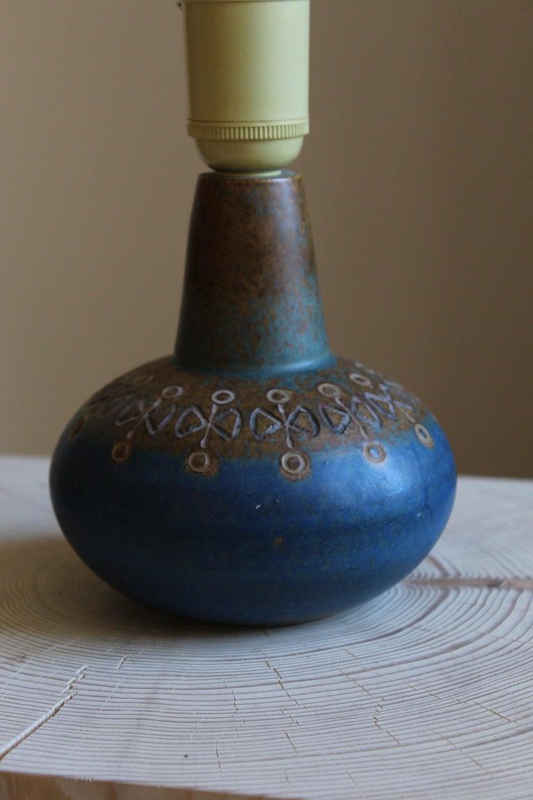 Swedish Ulla Winblad, Table Lamp, Glazed Stoneware, Allingsås Keramik, Sweden, 1950s For Sale