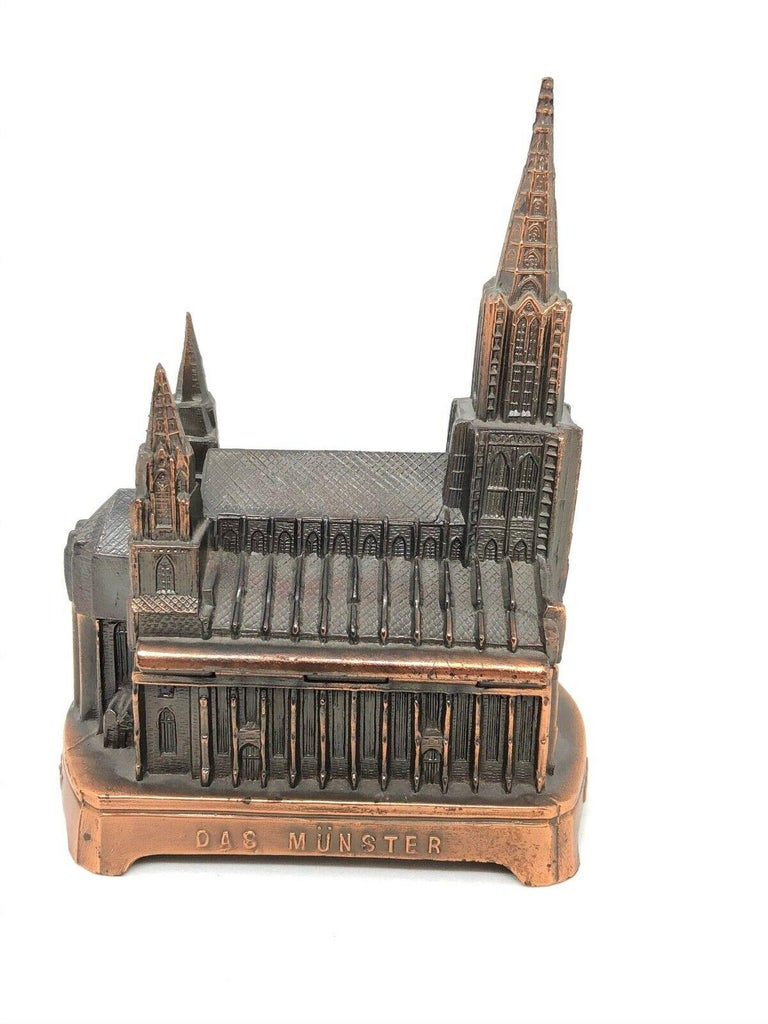 Ulm Minster Church Jewelry Trinket Box Metal, Vintage German Souvenir, 1950s In Good Condition For Sale In Nürnberg, DE