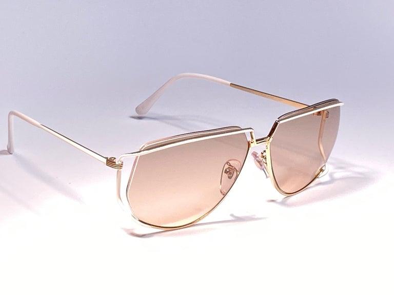Women's Ultra Rare 1970's Tura 425 Oversized Gold & White Light Lenses Sunglasses For Sale
