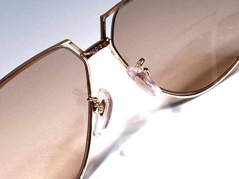 Ultra Rare 1970's Tura 425 Oversized Gold & White Light Lenses Sunglasses For Sale 1