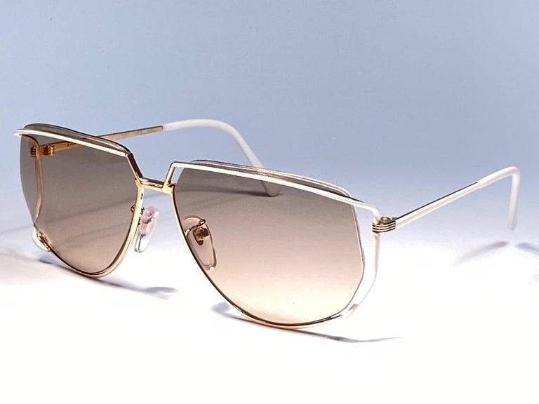 Ultra Rare 1970's Tura 425 Oversized Gold & White Light Lenses Sunglasses For Sale 3