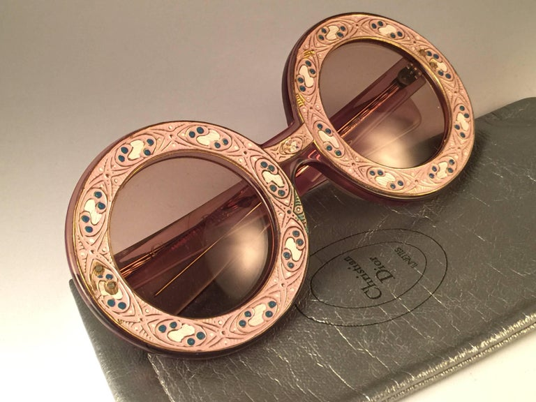 Ultra Rare Christian Dior Enamel Insert Oversized Sunglasses, 1969  In Excellent Condition For Sale In Amsterdam, Noord Holland