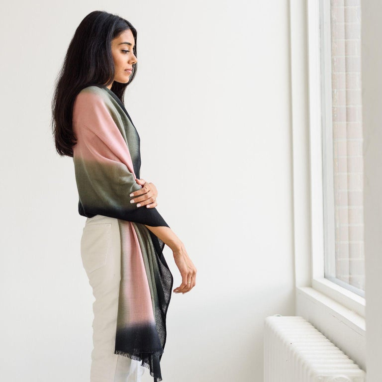 UMBRA KIWI Cashmere  Scarf / Wrap  In New Condition For Sale In Bloomfield Hills, MI