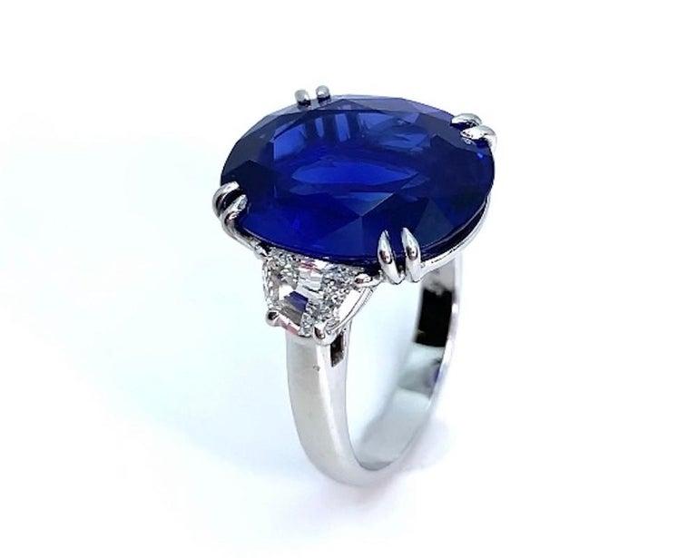 Oval Cut Unheated 12.23 Carat Ceylon Blue Sapphire GIA, Diamond Platinum 3-Stone Ring For Sale