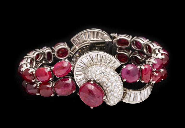 Unheated Burmese cabochon ruby and diamond bracelet In Excellent Condition For Sale In New York, NY