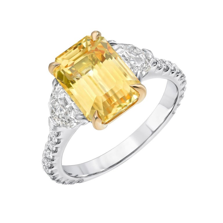 Contemporary Natural Yellow Sapphire Ring Emerald Cut 4.47 Carats GIA Certified Unheated For Sale