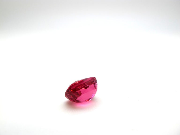 Unheated GIA Certified 6.83 Carat Cushion Pink Spinel Loose Stone In New Condition For Sale In Los Angeles, CA