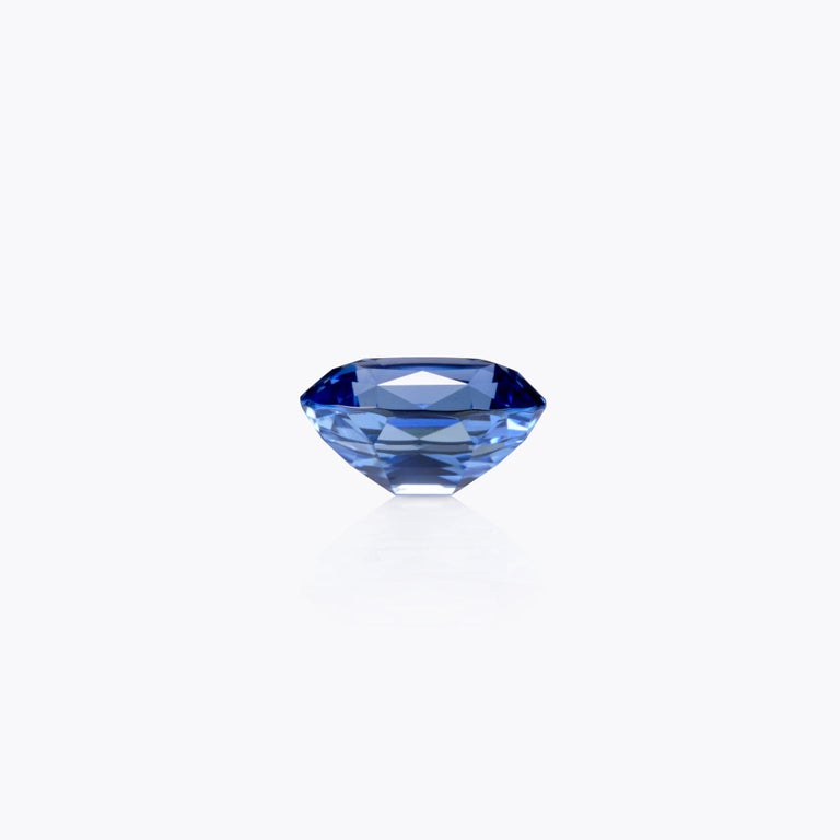 Lively Cornflower Blue 4.14 carat unheated oval Sapphire gem offered loose to a classy lady or gentleman. The gem certificate is attached to the images for your reference. Returns are accepted and paid by us within 7 days of delivery. We offer