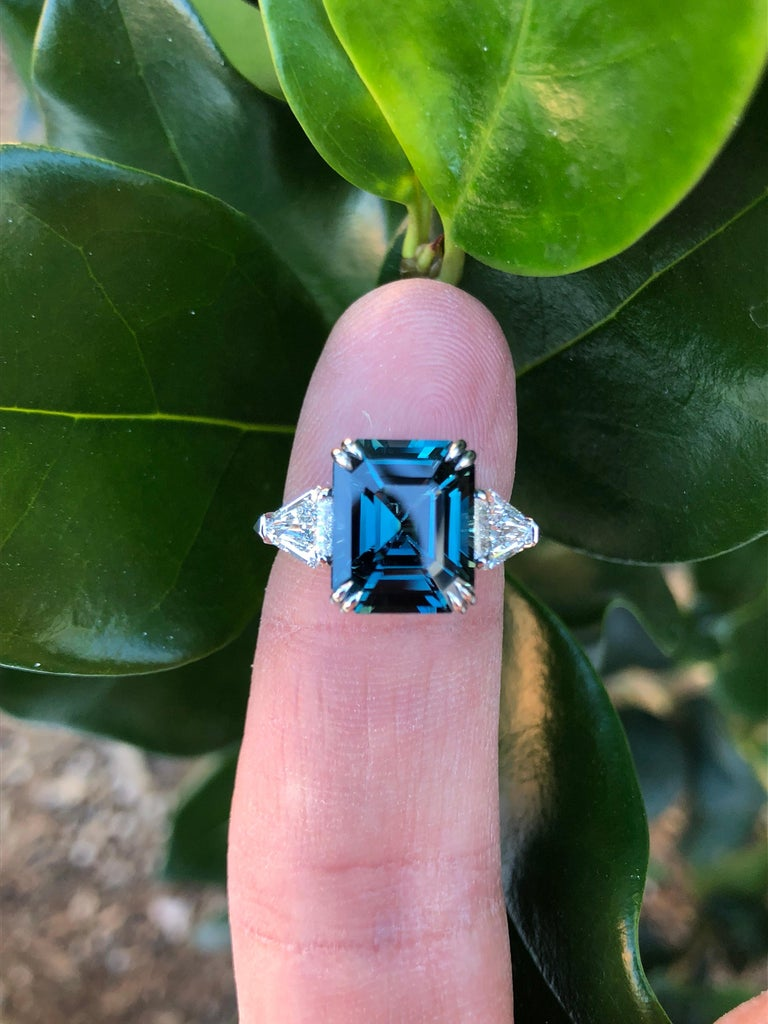 Natural Blue Sapphire Ring Unheated Engagement Cocktail Ring GIA 6.07 Carat For Sale 4