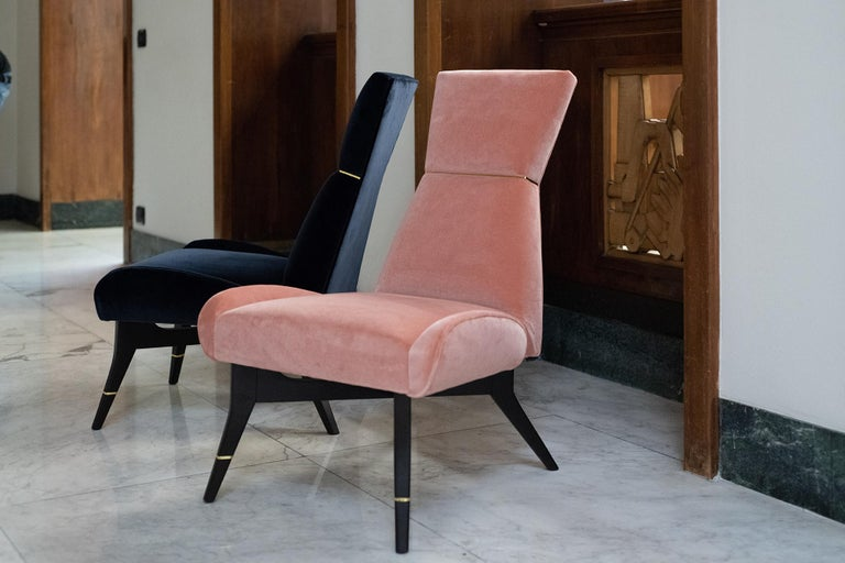 Modern Uni - Pink Armchair with Gilt Details on the Backrest and Legs For Sale