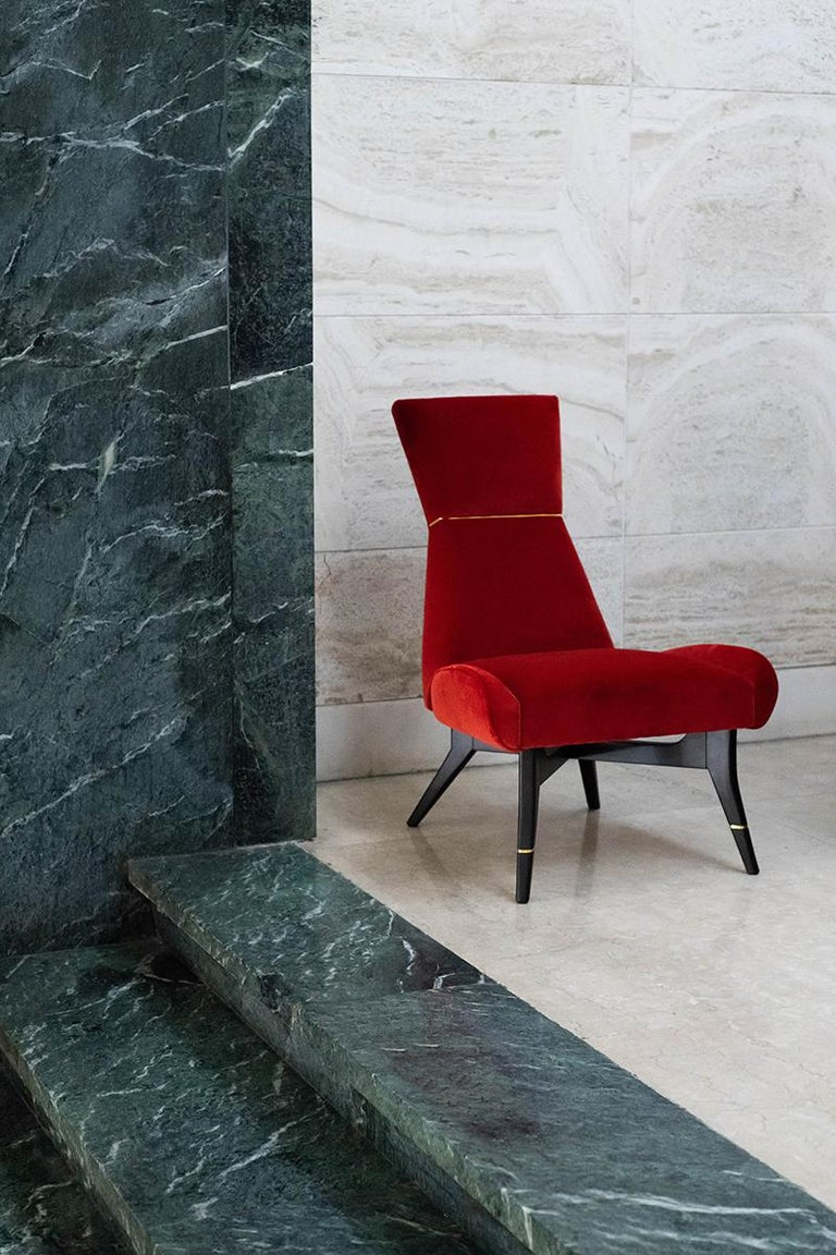 Contemporary Uni-Velvet Armchair with Gilt Details on the Hourglass-Shaped Backrest and Legs For Sale