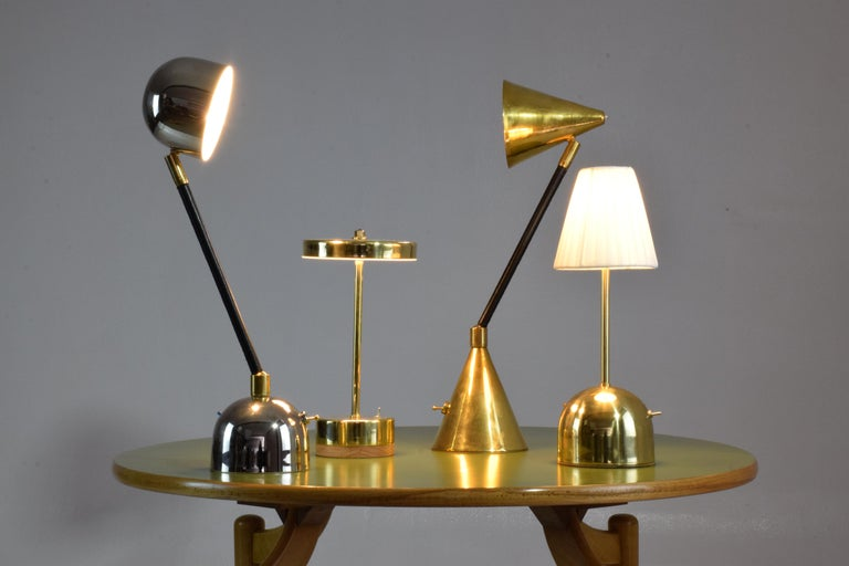 Unio Contemporary Handcrafted Wireless Brass Lamp For Sale 16
