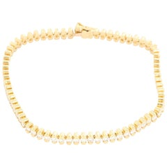 Unique 18 Karat Yellow Gold 5.01 Carat Diamond Tennis Bracelet