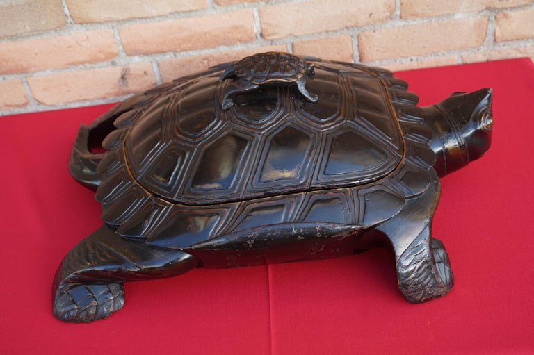 Large & Unique 1930 Hand Carved & Lacquered Wood Japanese Tortoise Sculpture Box For Sale 5