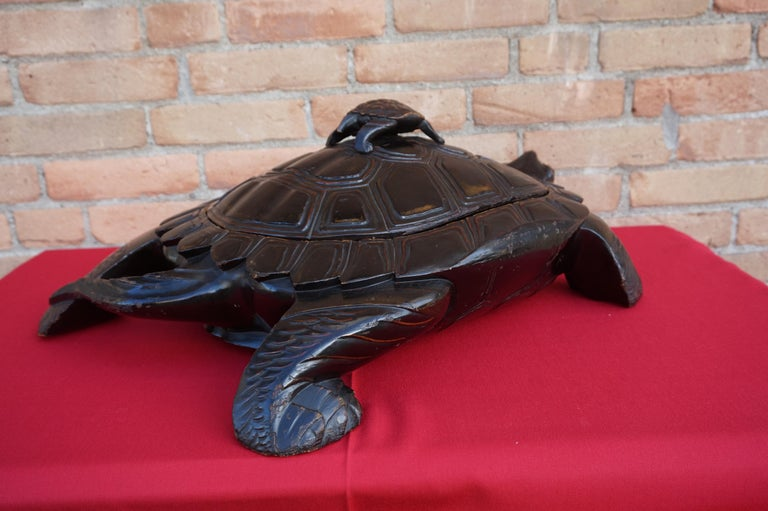Large & Unique 1930 Hand Carved & Lacquered Wood Japanese Tortoise Sculpture Box For Sale 6