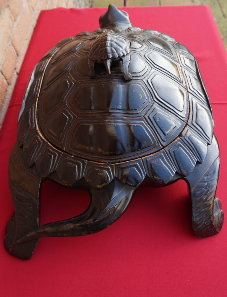 Large & Unique 1930 Hand Carved & Lacquered Wood Japanese Tortoise Sculpture Box For Sale 7