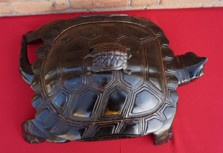 Large & Unique 1930 Hand Carved & Lacquered Wood Japanese Tortoise Sculpture Box For Sale 12