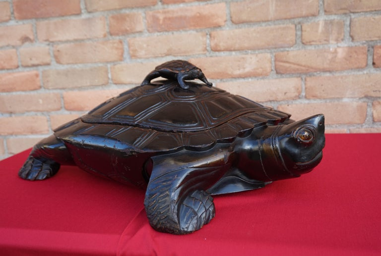 Large & Unique 1930 Hand Carved & Lacquered Wood Japanese Tortoise Sculpture Box For Sale 15
