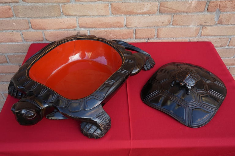 20th Century Large & Unique 1930 Hand Carved & Lacquered Wood Japanese Tortoise Sculpture Box For Sale