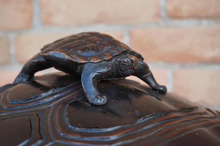 Large & Unique 1930 Hand Carved & Lacquered Wood Japanese Tortoise Sculpture Box For Sale 2