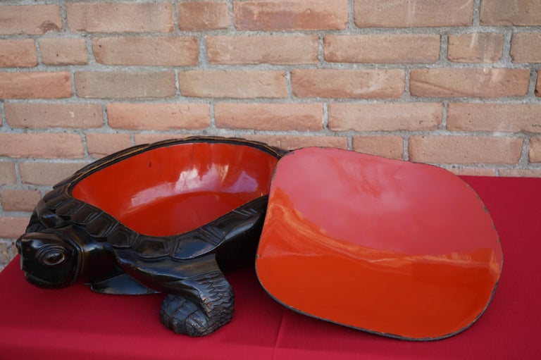 Large & Unique 1930 Hand Carved & Lacquered Wood Japanese Tortoise Sculpture Box For Sale 3