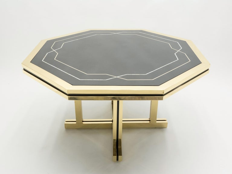 Unique Black Lacquer and Brass Maison Jansen Dining Table, 1970s In Good Condition For Sale In Paris, FR