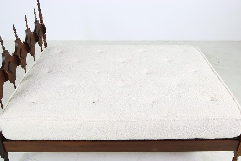 Unique Brazilian Midcentury Design Bed, Teddy Fur & Leather Tufted Daybed, 1950s For Sale 3