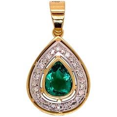 Gemjunky Unique Chic Pendant of Green Quartz, Diamonds, and Yellow & White Gold