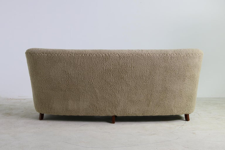 Unique Curved Sofa, Midcentury, Teddy Fur, 1950s, Mogens Lassen, Tufted Leather For Sale 1