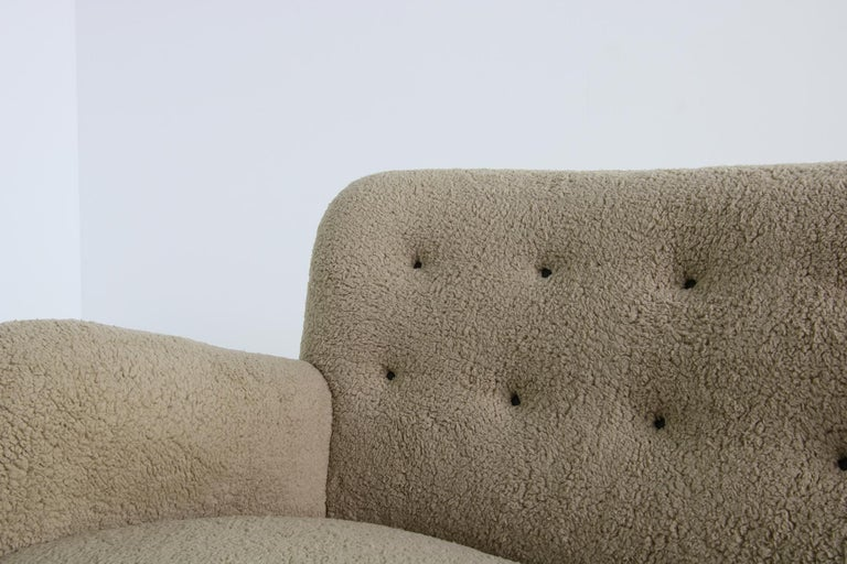 Unique Curved Sofa, Midcentury, Teddy Fur, 1950s, Mogens Lassen, Tufted Leather For Sale 2