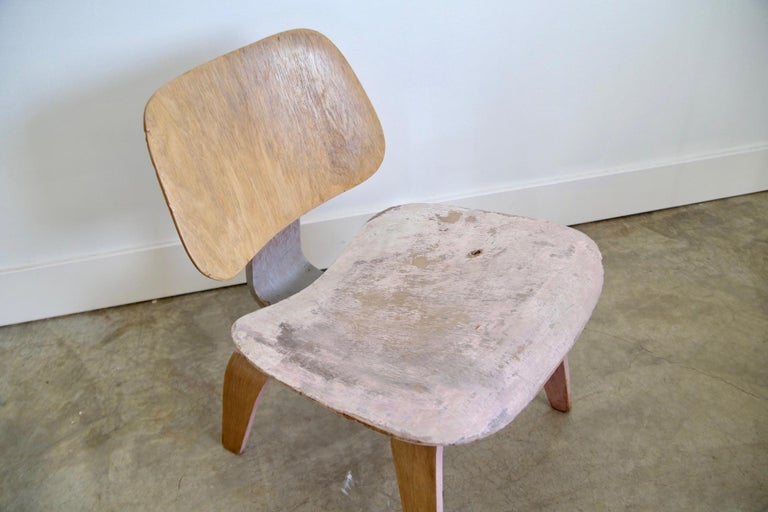 Designer: Charles Eames Manufacturer: Evans Period / style: Mid-Century Modern Country: US Date: 1940s.
