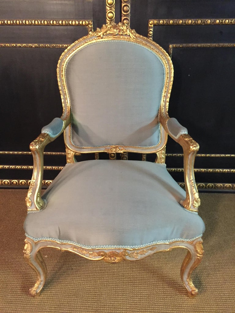 Hand-Carved Unique French Armchair in Louis Quinze Style For Sale