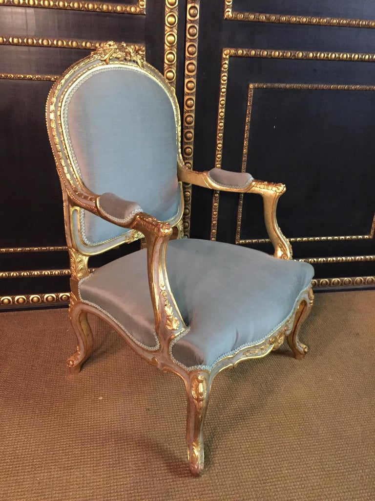 Unique French Armchair in Louis Quinze Style In Good Condition For Sale In Berlin, DE
