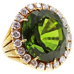 60 Carat Peridot Diamond 18 Karat Gold Unique Gem Ring