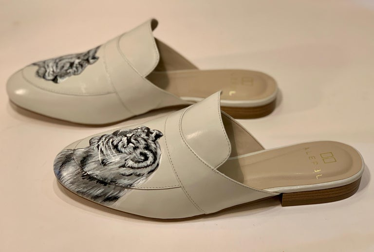 Unique Hand Painted White Tiger Mule Shoes with Swarovski Crystal Eyes Size 10 For Sale 2