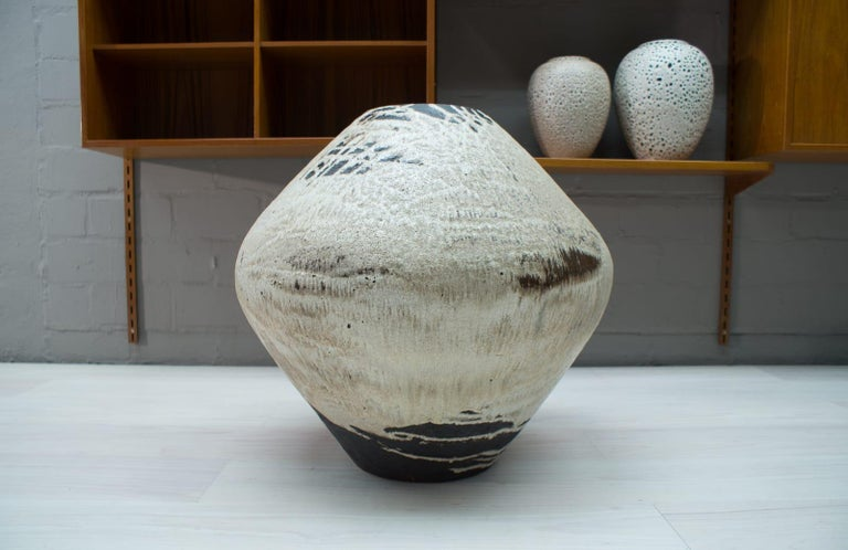 Mid-Century Modern Unique Huge Floor Vase from the German Artist Couple Wilhelm & Elly KUCH, 1960s For Sale